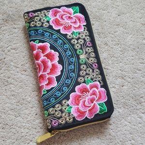 Handbags - NWOB Floral Wallet